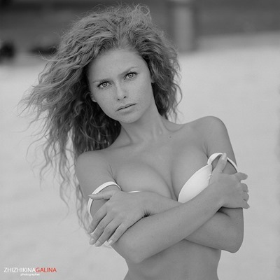 Young Nude model Yuliya Yaroshenko
