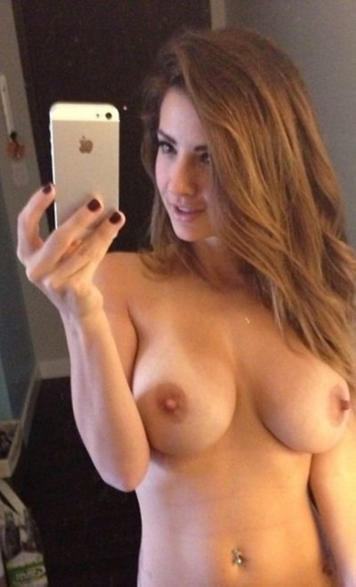Selfie naked girls, naked selfies