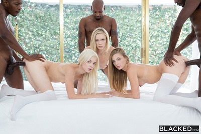 Three blondes, three Negro and sex