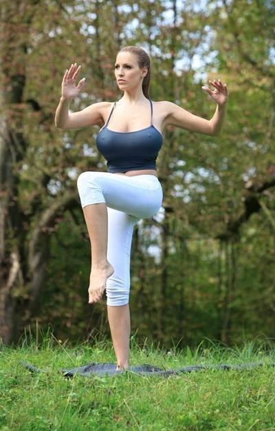 Yoga girl with big Boobs