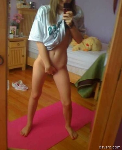 Naked selfies young girls