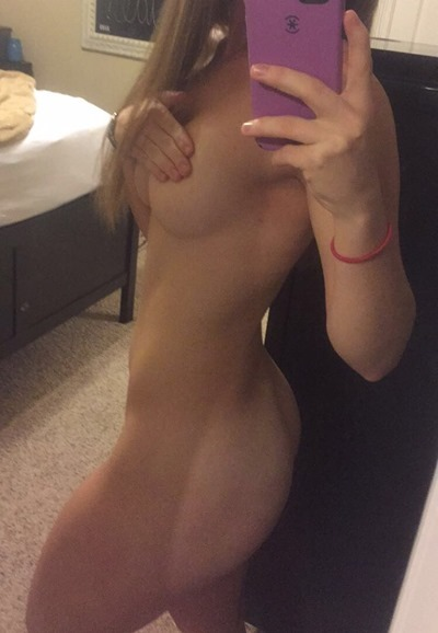 Naked selfies girls
