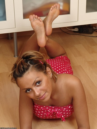 Footjob Beautiful feet girls