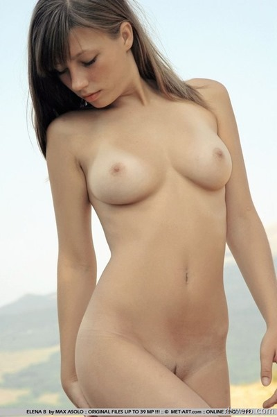 Beautiful naked model girls
