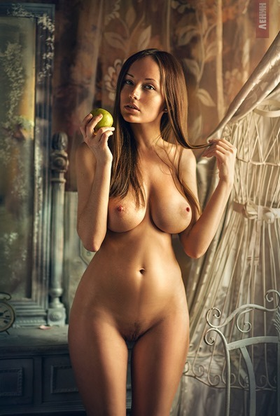 Naked girls, Nude models