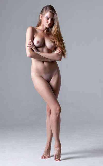 Naked girl from all sides